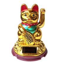 Японский кот Манэки-нэко - привлекает удачу, богатство, счастье
