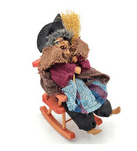 Оберіг Баба Яга в кріслі